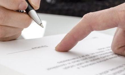 Temer assina lei que sobe teto para pequena empresa aderir ao Supersimples