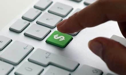 Venda de licença temporária de software é operação mercantil?