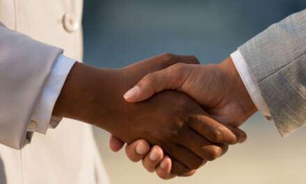 Não incide contribuição em valores pagos a título de bônus de contratação, diz Carf